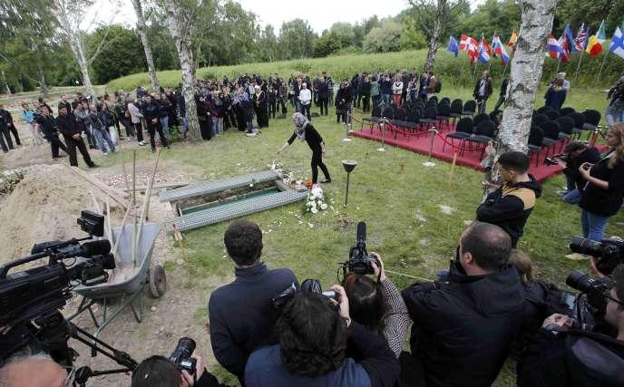 Au cimetière de Gatow à Berlin, le 16 juin.