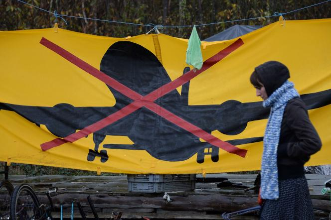 Affiche d'opposants au projet d'aéroport à Notre-Dame-des-Landes en novembre 2014.