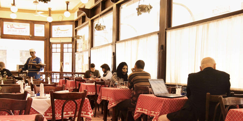 Le Café Riche, un des plus anciens restaurants du Caire, fondé en 1908.