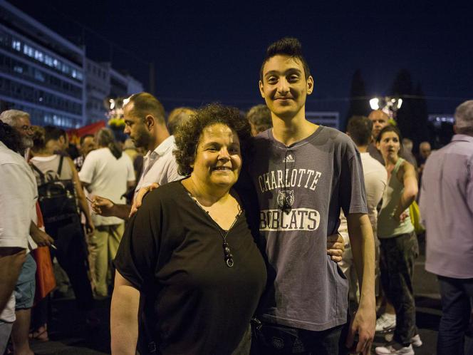 Sofia Vassila et son plus jeune fils.