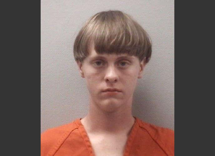 Photo prise en détention de Dylann Roof, 21 ans, identifié par la police de Charleston  comme étant le tueur qui a ouvert le feu dans l'église méthodiste Emanuel, mercredi  17 juin.