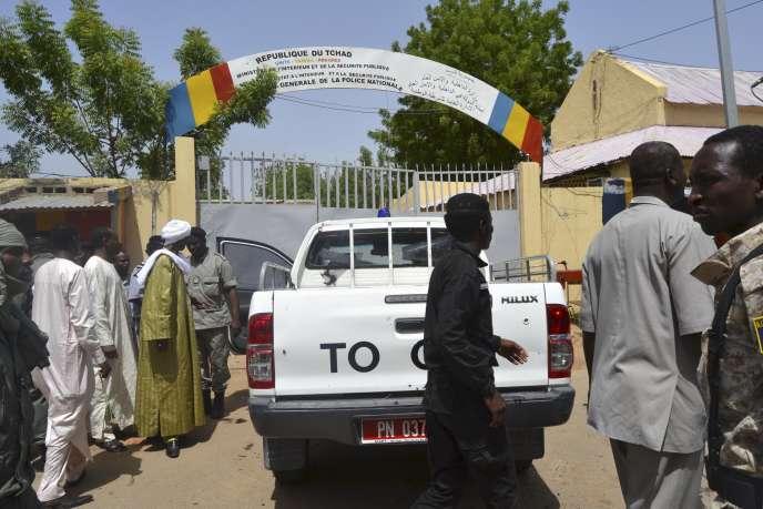Les deux attaques de lundi ont visé le commissariat central de N'Djamena et l'école de police, faisant au moins 33 morts.