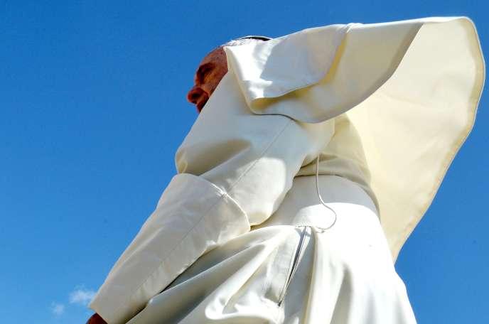 Le Pape sur la place Saint-Pierre au Vatican le 17 juin 2015.