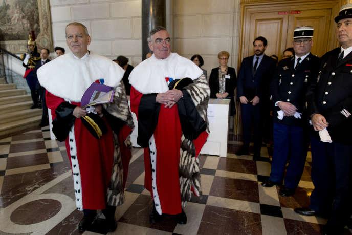 Bertrand Louvel, premier président de la Cour de cassation, et le procureur général de la cour, Jean-Claude Marin, le 12 janvier 2015 à Paris.