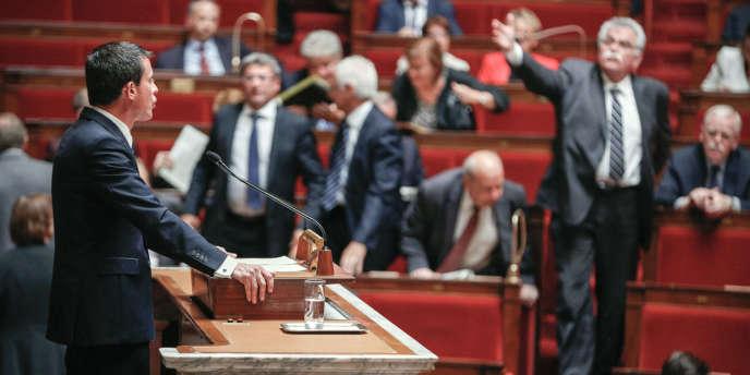 Manuel Valls a engagé la responsabilité de son gouvernement sur le projet de loi pour la croissance et l'activité, dit loi Macron.