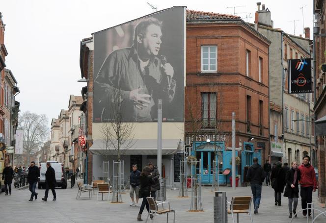 Un portrait géant de Claude Nougaro à Toulouse en juin 2007.