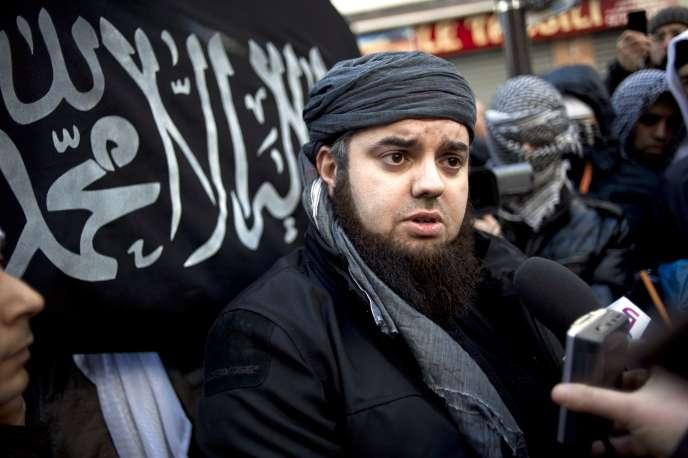 Le fondateur de Forsane Alizza, Mohamed Achamlane, lors d'une manifestation à Paris en 2012.