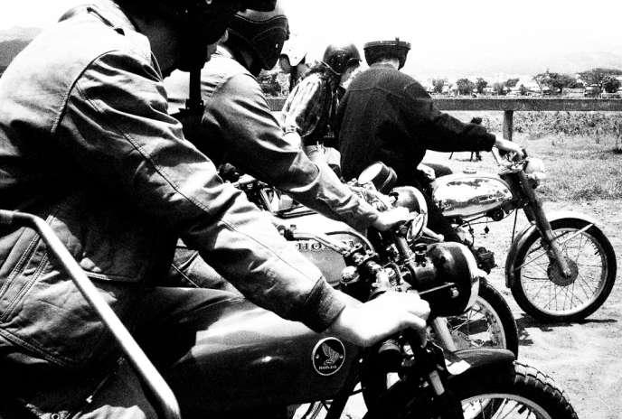 Road-trips entre copains aux beaux jours… La 125 cm3 était il y a quarante ans synonyme de liberté.