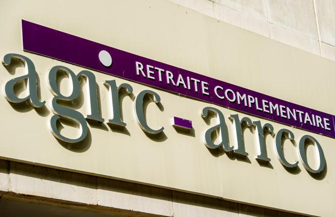 L'accord sur la réforme du régime des retraites complémentaires, destiné à renflouer les caisses de l'Agirc-Arrco, comporte une mesure phare : la mise en place d'un système de bonus-malus pour inciter les salariés à décaler leur départ à la retraite.