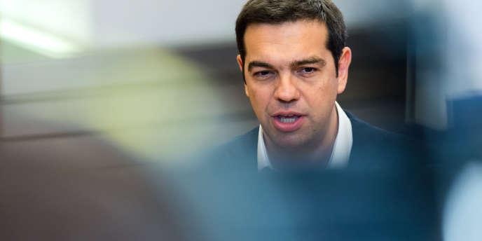 Alexis Tsipras qui a présenté ses propositions de réforme à Bruxelles lundi doit désormais défendre celles-ci devant son propre Parlement.