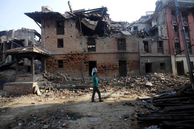 Suite aux séismes des 25 avril et 13 mai, un Népalais sur dix a perdu son toit.