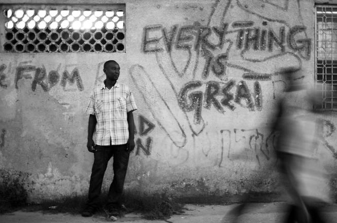 Graffitis sur un mur de la vieille ville de Zanzibar, en mars 2015.