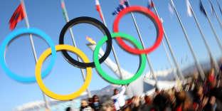 Les anneaux olympiques, le 13 février 2014 à Sotchi (Russie). AFP PHOTO / LOIC VENANCE