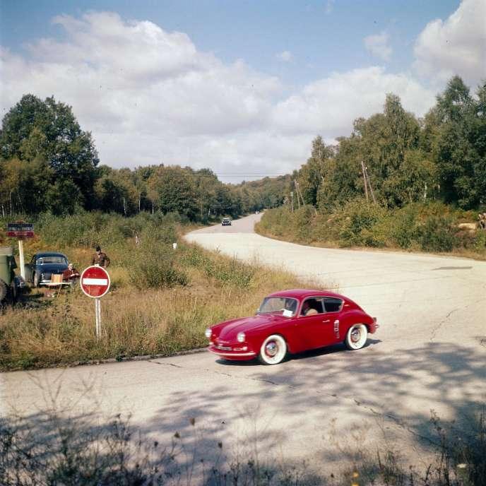 Construite sur la base de la Renault 4 CV en 1955, le modèle A 106 est la première Alpine de série.