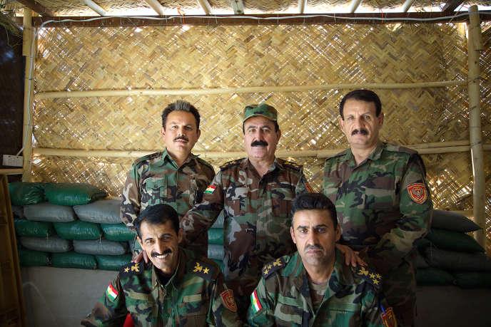 Le général Khalif Ibrahim, au centre, avec ses hommes.