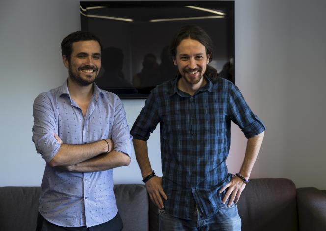 Alberto Garzon (à gauche) et Pablo Iglesias (à droite), le 24 juin 2015.