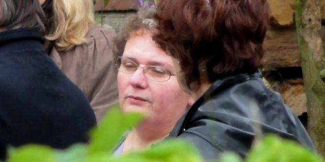 Dominique Cottrez , à Villers-au-Tertre (Nord), lors d'une visite dans le cadre de l'enquête des différents lieux où les corps des nouveaux-nés ont été retrouvés, le 28 septembre 2010.
