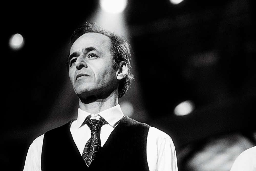 L'acteur d'« Intouchables» détrône le chanteur-auteur-compositeur,Jean-Jacques Goldman, qui s'était installé à la première place six fois consécutives.