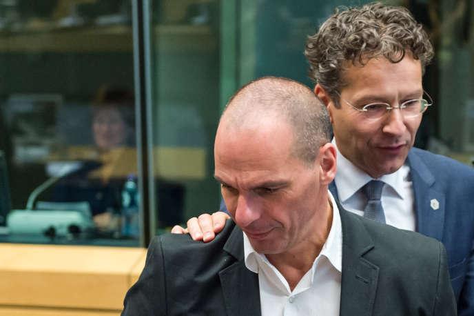 Le président de l'Eurogroupe, Jeroen Dijsselbloem, et le ministre des finances grec, Yanis Varoufakis, jeudi 25 juin.
