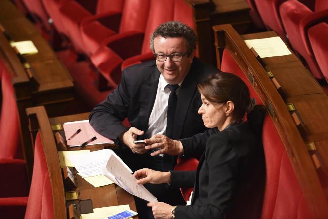 Les députés PS Christian Paul et Aurélie Filippetti ont fait part de leur indignation après l'annonce de Manuel Valls de recourir au 49-3 pour faire passer la loi travail.