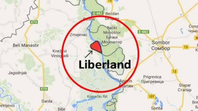 A l'ouest du Danube, la Croatie, à l'est, la Serbie. En rouge, le territoire de la micronation du Liberland.