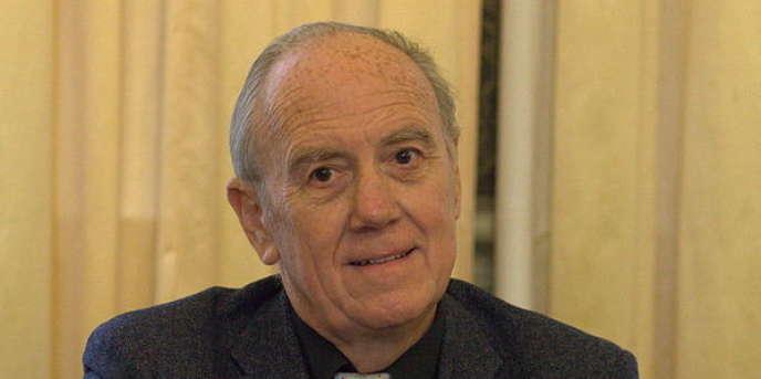 Henri Joyeux à une conférence de l'institut pour la protection de la santé naturelle.