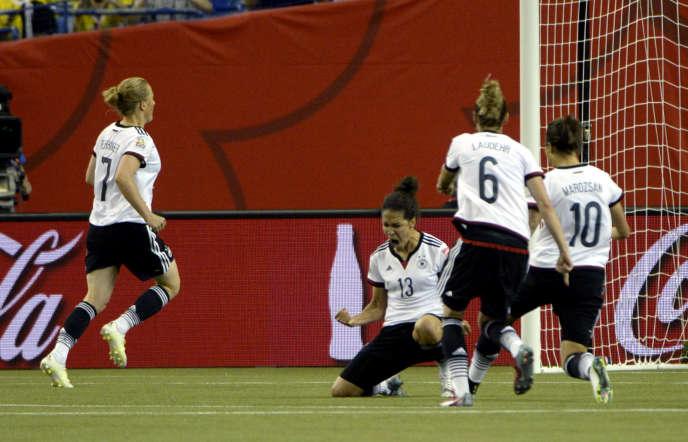 Les Allemandes disputeront les demi-finales du Mondial 2015 ; la France est éliminée.