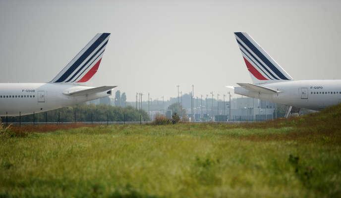 Des avions d'Air France sur le tarmac de l'aéroport Charles-de-Gaulle à Roissy le 24 septembre 2014.