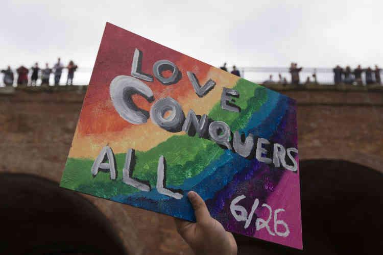 A Cincinnati, samedi 27 juin, les participants à la Gay Pride fêtaient la victoire de la veille. Et pour cause : vendredi, la Cour suprême américaine a légalisé le mariage homosexuel sur l'ensemble du territoire des Etats-Unis.