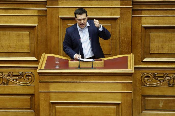 Alexis Tsipras lors d'un discours devant le Parlement grec, le 27 juin.