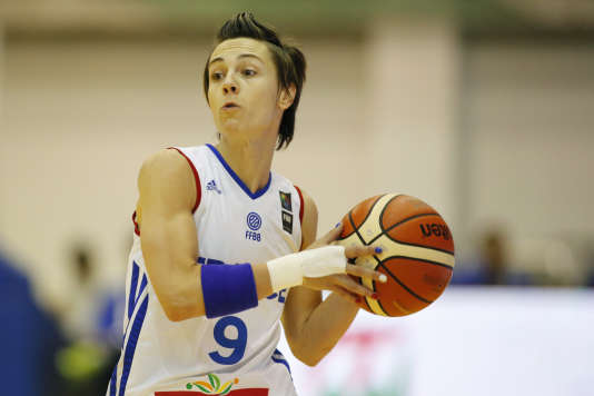 Céline Dumerc face au Monténégro lors de l'Euro de basket 2015.