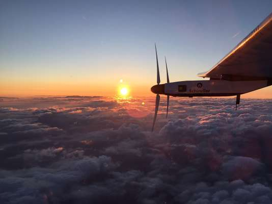 Une vue depuis Solar Impulse, le 29 juin 2015, au dessus de l'océan Pacifique.