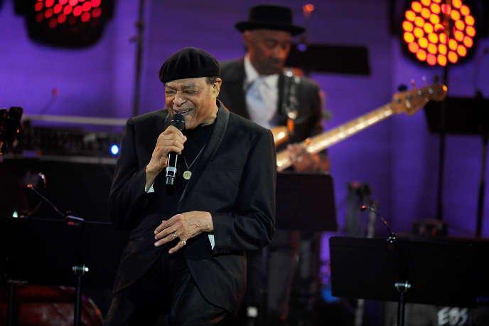 Al Jarreau en concert à Paris, le 30 avril 2015.