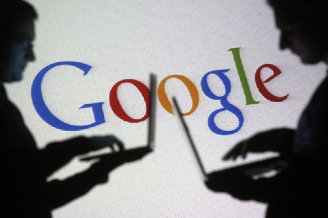 Deux chercheurs de Google travaillent sur un « chatbot » innovant.