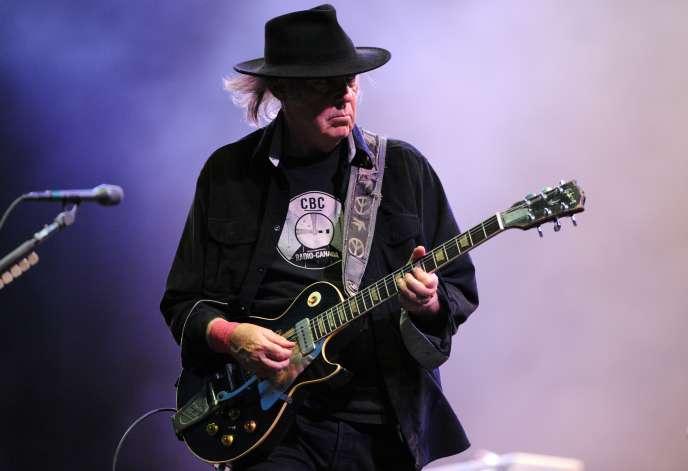 Neil Young au festival des Vieilles Charrues, le 20 juillet 2013.