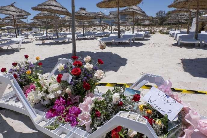 Sur la plage de l'Hôtel Imperial, où des touristes étrangers ont été tués lors de l'attaque du 26juin.