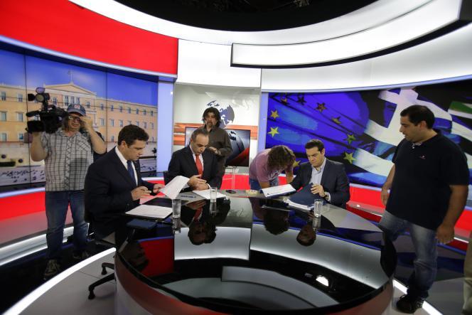 Dans un entretien à la télévision, Alexis Tsipras appelle à un non massif, faisant valoir que cela permettra à son gouvernement d'être en position de force pour négocier.