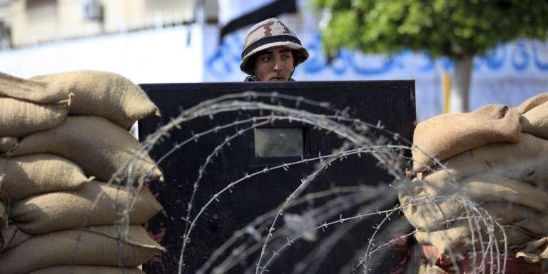 L'Egypte fait face à une insurrection djihadiste, notamment dans le nord de la péninsule du Sinaï, où la branche égyptienne de l'EI multiplie les attentats.