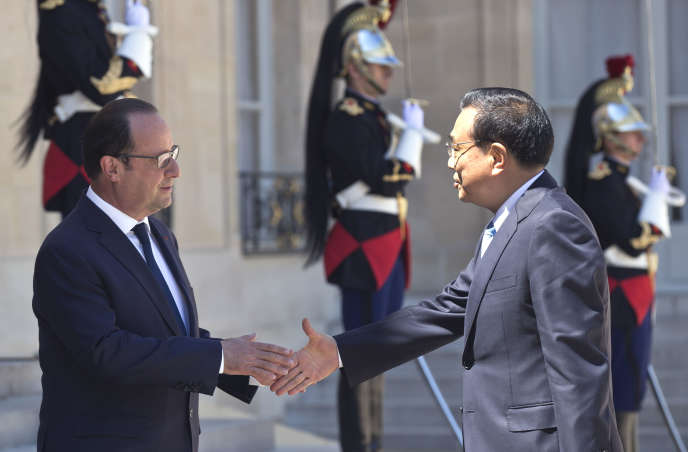 Li Keqiang, le premier ministre de la Chine, s'est entretenu avec François Hollande, le président de la France, le 30juin, à l'Elysée.
