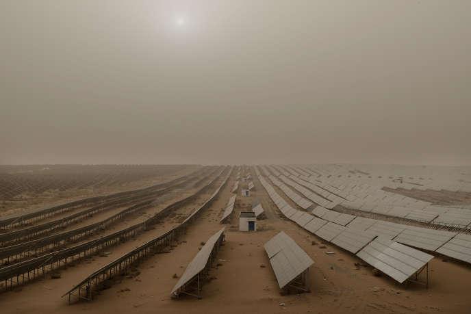 Ferme photovoltaïque à Gulang dans la province du Gansu, le 1er avril.