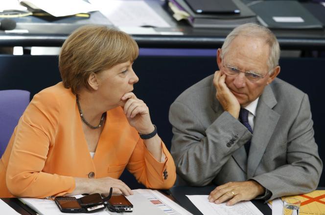 La chancelière allemande Angela Merkel et le ministre allemand des Finances, Wolfgang Schäuble, le 1er juillet.