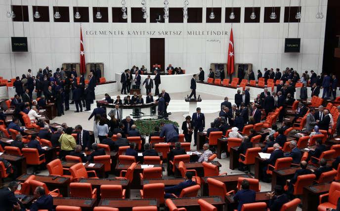 Le Parlement turc, à Ankara, le 1er juillet, lors de l'élection du président de l'Assemblée nationale.