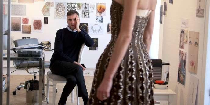 Le créateur belge Raf Simons dans le film documentaire français de Frédéric Tcheng,