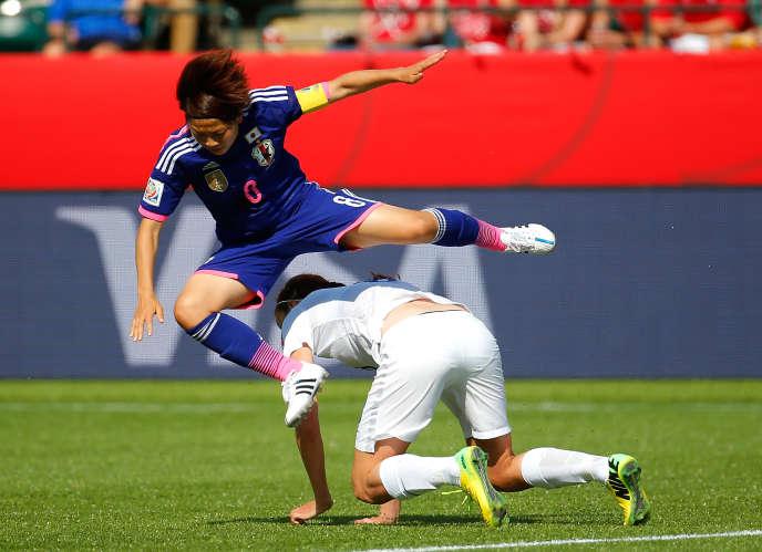 La capitaine de l'équipe japonaise Aya Miyama en demi-finale de la Coupe du monde contre la Grande-Bretagne (2-1), le 1erjuillet, à Edmonton, au Canada.