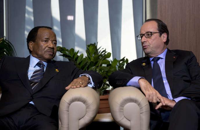 Francois Hollande et Paul Biya, à Dakar en 2014.