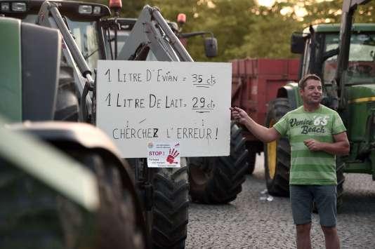 Manifestation d'éleveurs laitiers le 2 juillet à Rennes.