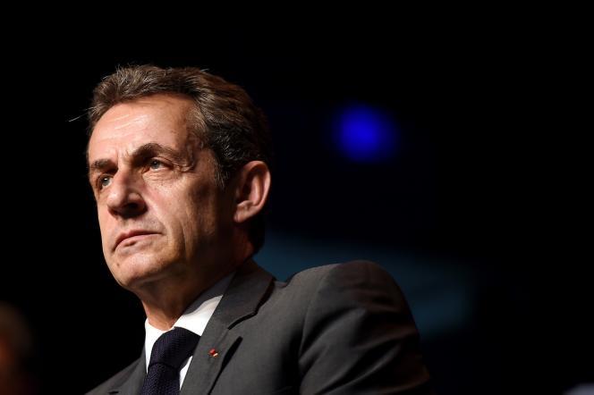 Nicolas Sarkozy, le président des Républicains, lors d'une réunion le 2 Juillet 2015 à Châteaurenard. AFP PHOTO / ANNE-CHRISTINE POUJOULAT