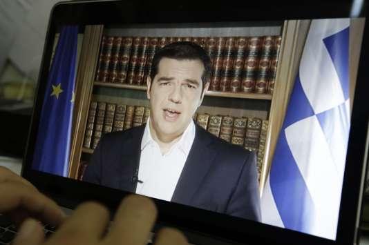 Intervention télévisée du premier ministre grec, Alexis Tsipras, le 3 juillet 2015. (AP Photo/Thanassis Stavrakis)