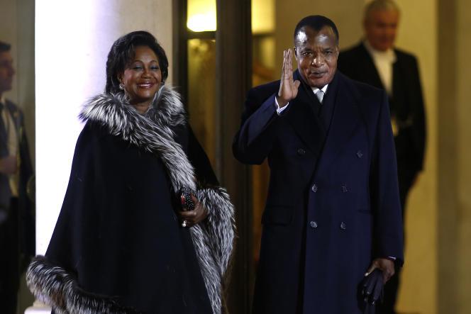 La première dame Antoinette Sassou Nguesso et son époux à l'Elysée le 6 décembre 2013.