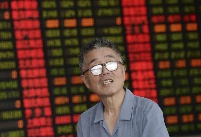 Depuis trois semaines, la Bourse de Shanghaï, la principale place chinoise est en proie à l'éclatement violent d'une véritable bulle boursière.